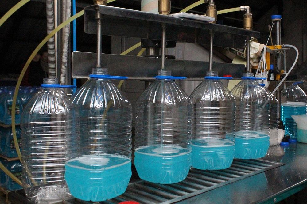 На Ворончанском спиртзаводе производят стеклоомыватель. Фото №3