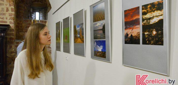 В Мирском замке разместилась выставка фоторабот о Гродненщине