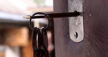 Незакрытая квартира жителя Кореличского района стала приманкой для вора