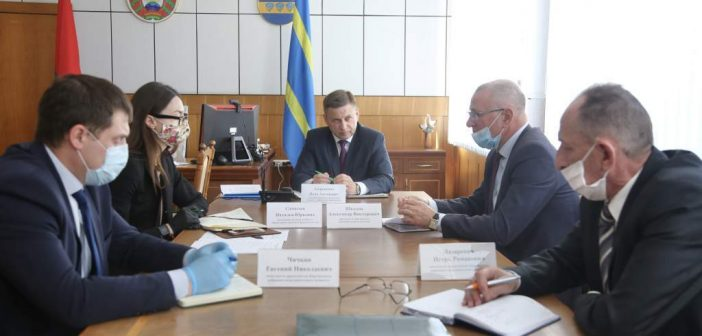 Помощник Президента – инспектор по Гродненской области провел прямую линию в Кореличах