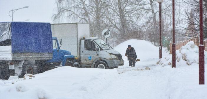 В Кореличах снова сильный снегопад. Показываем, как выглядит поселок